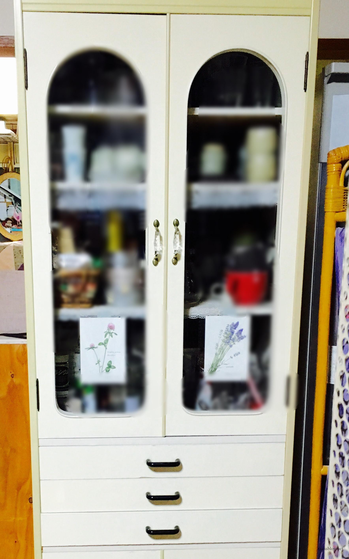 食器棚リメイクで取っ手交換と引き出しテーブルを簡単DIY