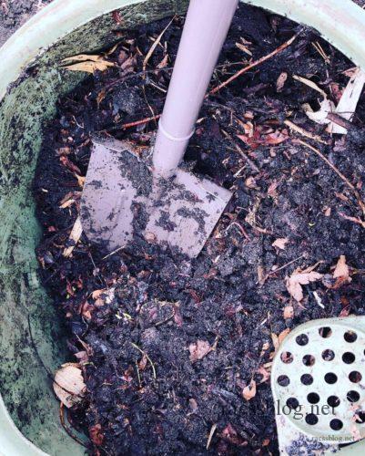 コンポスト堆肥を作る