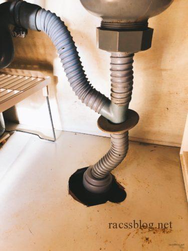 ジャバラタイプの排水管